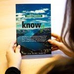 knowy-arbeitsbuch-im Büro-Vorderseite